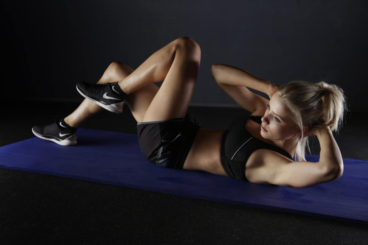 bodyweight workout for the core and butt