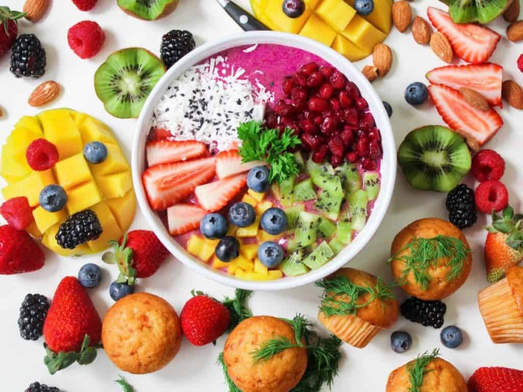 toning your body with healthy food and bodyweight exercises